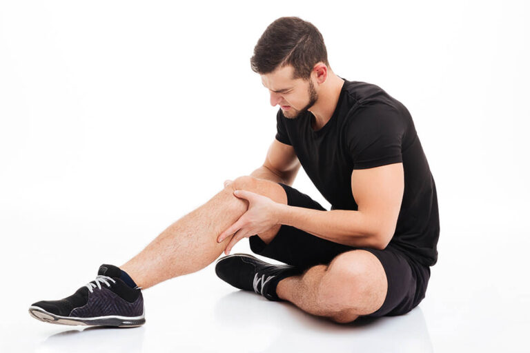 Man with knee pain injury